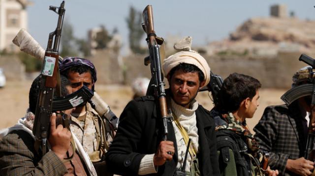 الميليشيا تشيع ثلاثة من قياداتها البارزة في صنعاء